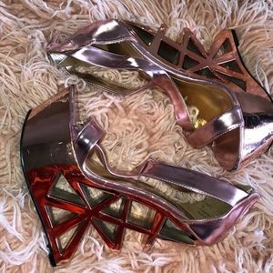 'Disco Party' Wedge